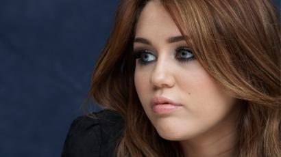 Miley Cyrus turnézni indul