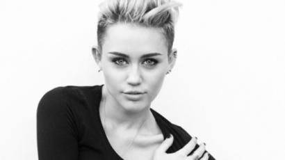 Miley Cyrus új tetoválást varratott