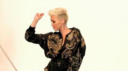 Miley Cyrus minden napját a stúdióban tölti