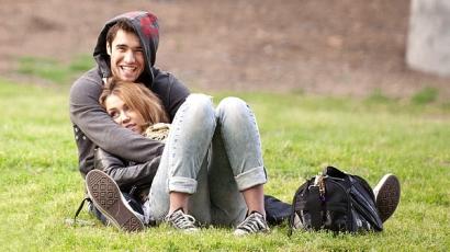 """Miley: """"Josh és én nagyon jó barátok vagyunk"""""""