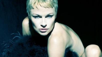 Molesztálták és megerőszakolták Pamela Andersont