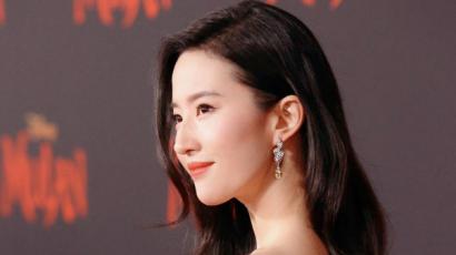 Mulan premier: Liu Yifei csodás ruhában tündökölt