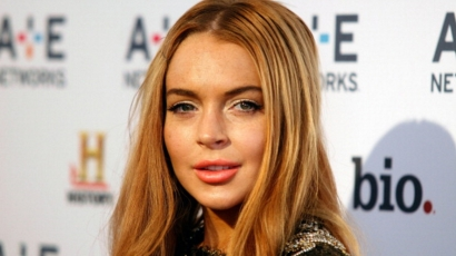 Nem maradt szingli sokáig! Lindsay Lohan az üzlettársával romantikázik