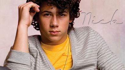 Nick Jonas több vasat tart a tűzben
