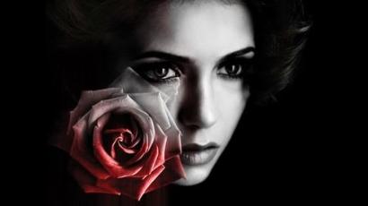 Nina Dobrev emberi akar maradni