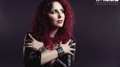 Nyilvánosságra hozta első albuma borítóját és dallistáját Marcela Bovio
