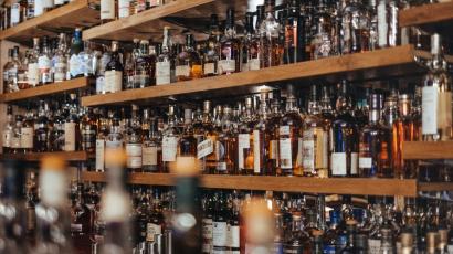 Öntsünk tiszta whiskyt a pohárba: íme a whiskyk különböző fajtái