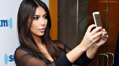 Őrület! Ennyi szelfit készített a nyaralásán Kim Kardashian
