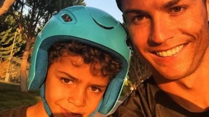 Őrülten cuki Cristiano Ronaldo kisfia