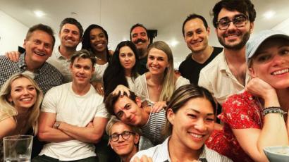 Összegyűltek a Glee sztárjai egy évvel Naya Rivera halála után