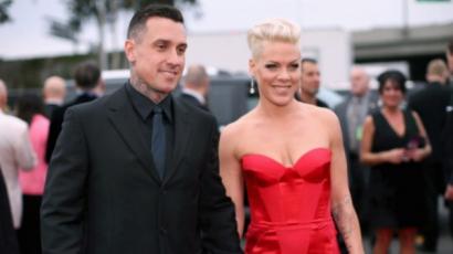 Őszinte vallomás: Párterápia mentette meg Pink és Carey Hart kapcsolatát