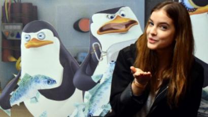 Pingvinekkel pózolt Palvin Barbi