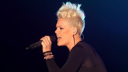 Pink lemondta a birminghami koncertjét