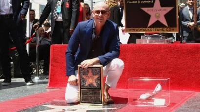 Pitbull elérzékenyült: végre megkapta az őt megillető kitüntetést a Hírességek Sétányán