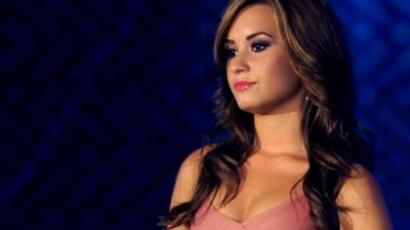 Provokatív képek Demi Lovatóról