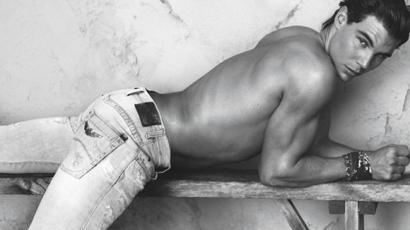 Rafael Nadal az Armani óriásplakátjain