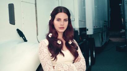 Rajongói előtt sírta el magát: fegyveres férfi akarta elrabolni Lana Del Reyt