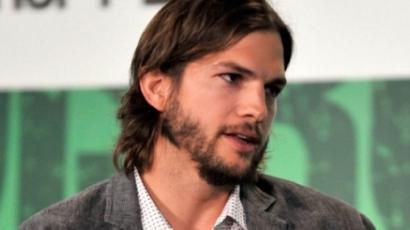 Rajongója miatt dulakodott Ashton Kutcher