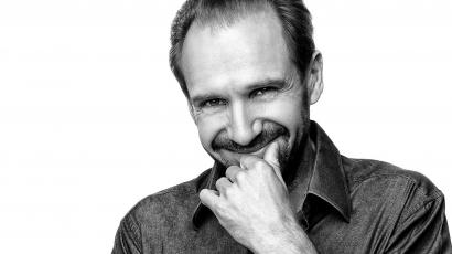 Ralph Fiennes életrajzi filmet rendez