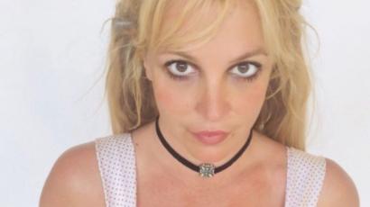 Régi vágya teljesült: Britney Spears frufrut vágott magának