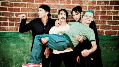 Rekordidő alatt elkapkodták a jegyeket, így kétszer áll színpadra hazánkban a Red Hot Chili Peppers