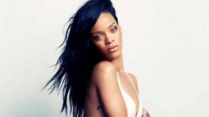 Rihanna lett a Balmain arca