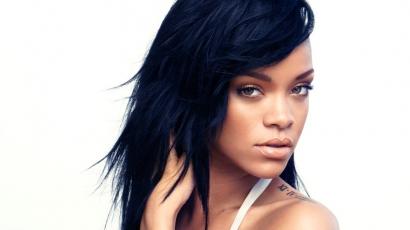 Rihanna szerződést kötött a MAC-el