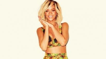 Rihanna újra kókuszvizet reklámoz