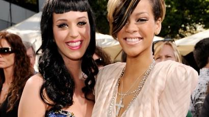 Rihanna vigasztalja a válófélben lévő Katyt