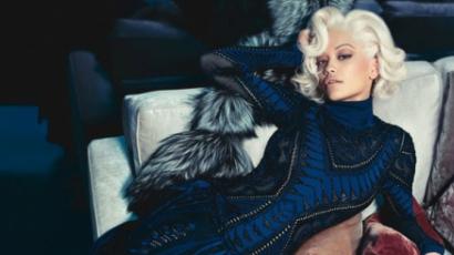 Rita Ora modellt állt Roberto Cavallinak
