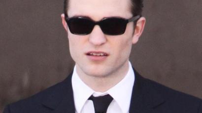 Robert Pattinson mindenkit lenyűgöz