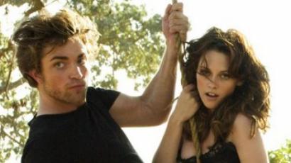 Robert Pattinson csak nevet a megcsaláson