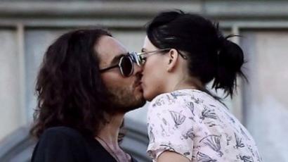 Russell Brand az új csókkirály