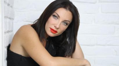 Rúzsa Magdi a lakását is feltette karrierjére