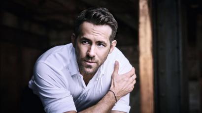 Ryan Reynolds és Jimmy Fallon egymás arcába köpködött