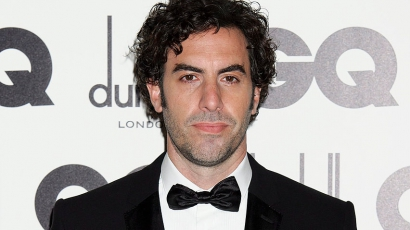 Sacha Baron Cohen visszalépett Freddie Mercury szerepétől