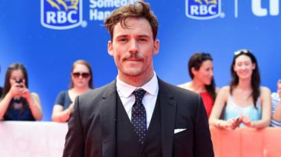 Sam Claflin szerint a hollywoodi sztárokkal úgy bánnak, mint egy darab hússal