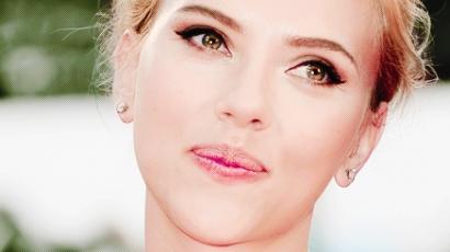 Scarlett Johansson kislánynak adott életet