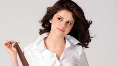 Selena Gomez megérkezett Bulgáriába