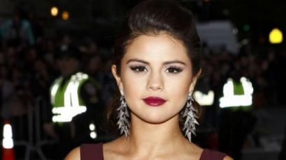 """Selena Gomez: """"Életem egyik legrosszabb napja volt, amikor Dylan Sprouse-t megcsókoltam"""""""