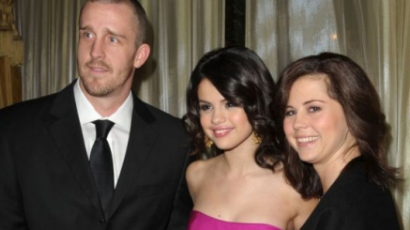 Selena Gomez kirúgta a szüleit