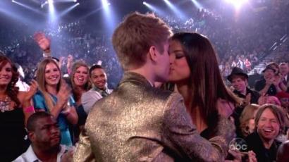 Selena Gomez megismerte Bieberéket