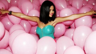 Selena Gomez újabb klippel jelentkezik
