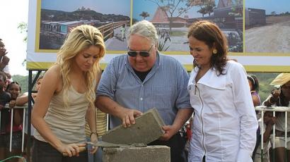 Shakira újra jótékonykodik