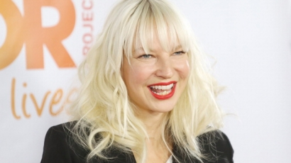 Sia hat éve józan