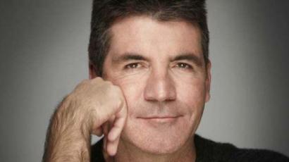 Simon Cowell barátnőt keres