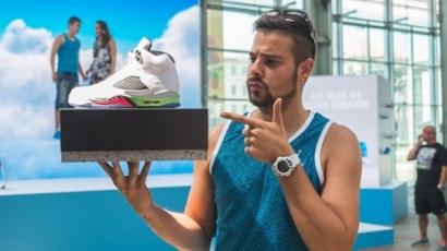 Sneakerlázban égnek a sztárok