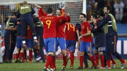 Spanyolország a döntőben!