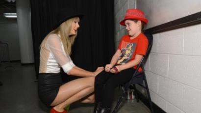 Szebbé tette egy rajongója napját Taylor Swift