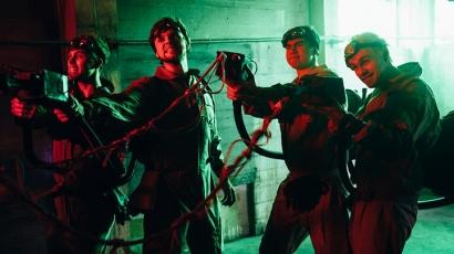 Szellemirtóknak álltak a 5 Seconds Of Summer tagjai – klippremier